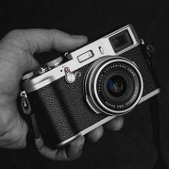 Fujifilm X100. Image: heipei