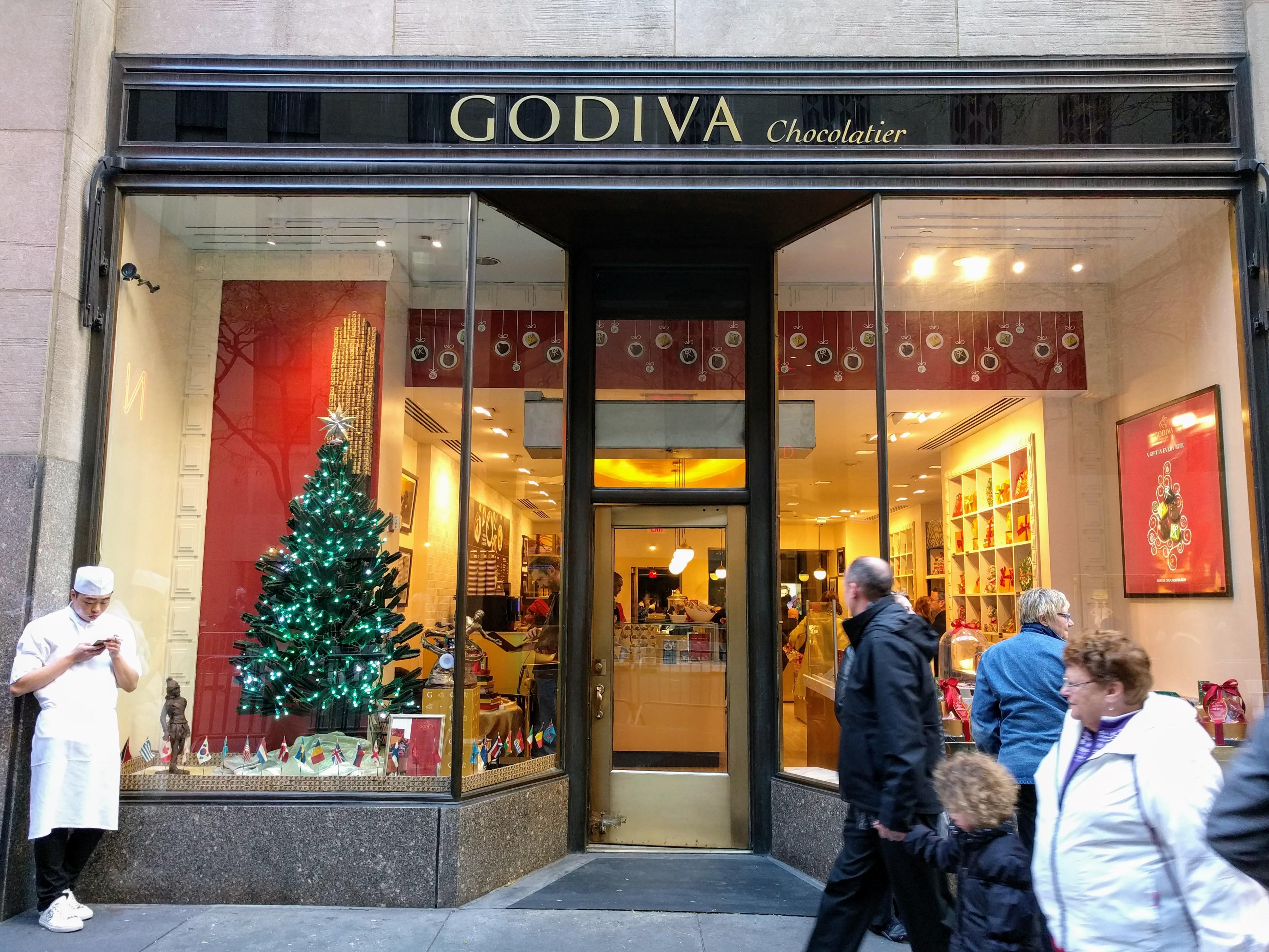 NYC Holiday Window Display